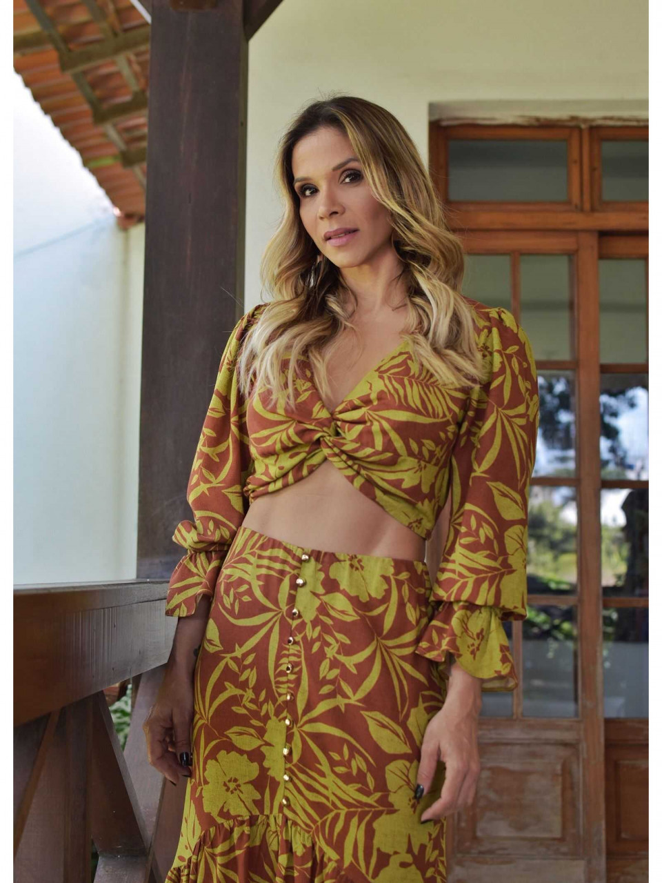TOP CROPPED VISCOLINHO ESTAMPADO